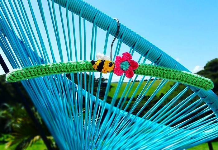 bee chair 700.jpg