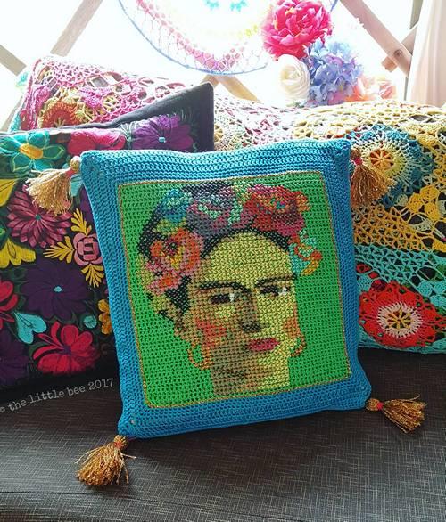 Frida Kahlo Crochet Cross-stitch