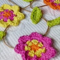 pink_flower_garland_medium200.jpg